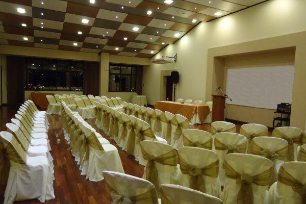 http://www.tolomahotel.com/wp-content/uploads/2019/07/auditorio1-COBRIZOS-600x400.jpg